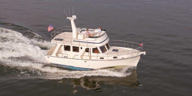 Helmsman Trawlers 37 Sedan